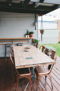 Emma & Cody's Light, Bright Renovated Australian Home - like the choice of outdoor chairs, and the little bar at the side Chinese Interior, Japanese Interior, Cafe Interior, Interior And Exterior, Interior Design, Bohemian Chic Decor, Three Bedroom House, Outdoor Chairs, Outdoor Decor