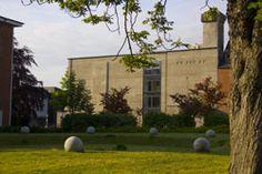 Im Eichenbergbunker, Bunker-E genannt, ist heute das Computermuseum der FH Kiel untergebracht.