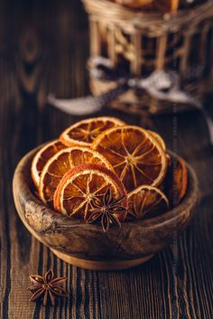 Anise and dried oranges in bowl on a wooden table. Pic: Anise and dried oranges in bowl on a wooden table.Pic: Anise and dried oranges in bowl on a wooden table. Dried Oranges, Dried Fruit, Winter Christmas, Christmas Time, Christmas Oranges, Xmas, Prim Christmas, Christmas Ideas, Deco Nature