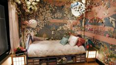 Japanese Decor bedroom- my daughter would love this.