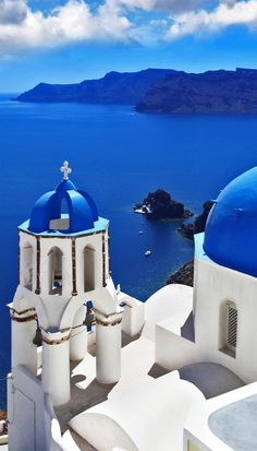 Amazing View of Oia village in Santorini, Greece