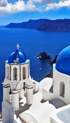 Amazing View of Oia village in Santorini, Greece