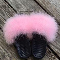 ef579d0115d7 Baby Pink Faux Fur Nike Slippers Feeling Fanci Nike Fur Slippers in a Soft  Baby Pink. No half sizes so please go up a size.