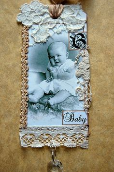 Vintage Baby Photo Tag ~ This would be a lovely embellishment for a heritage childhood page. Add baby's monogram for a personal touch. Scrapbooking Layouts Vintage, Heritage Scrapbooking, Vintage Scrapbook, Baby Scrapbook, Bridal Shower Scrapbook, Baby Monogram, Handmade Tags, Paper Tags, Vintage Tags