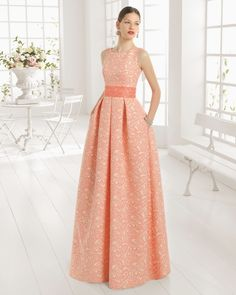 Aire Barcelona: Wedding dresses and evening gowns Modest Dresses, Elegant Dresses, Strapless Dress Formal, Beautiful Dresses, Nice Dresses, Bridesmaid Dresses, Prom Dresses, Formal Dresses, Vestidos Vintage