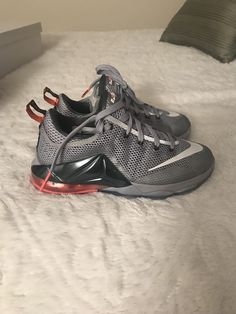 e69ff857513 Nike LeBron Soldier X 10 Black Gray Youth Basketball Shoes Size Condition  is Pre-owned.