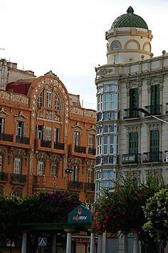 Cruce de la avenida Juan Carlos I Rey y Plaza de España de Melilla, España Travel Around The World, Around The Worlds, Places In Spain, Western Sahara, Spain Holidays, Country Scenes, Cadiz, Spain Travel, Malaga