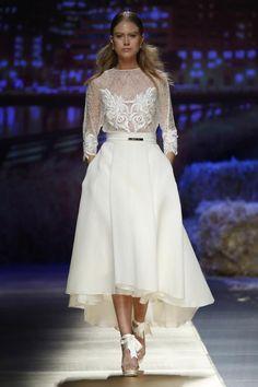 Inmaculada García Fashion Show at Barcelona Bridal Week 2015. Desfile de Inmaculada García en la Barcelona Bridal Week 2015 #Brides #Barcelona #Bridal www.barcelonabridalweek.com