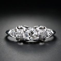 Such a beautiful vintage wedding ring. I would love to have a set like this