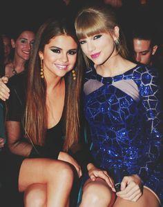 Selena Gomez (que está a cara da Bruna Marquezine) e Taylor Swift