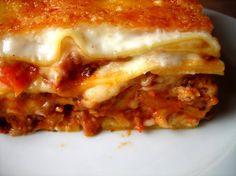 Lasagne recept Lasagna Recept, Bacon, Food Porn, Favorite Recipes, Cooking, Ethnic Recipes, Dinner Ideas, Drink, Hungary