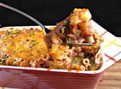 Cheesy Beef & Macaroni Casserole!  This is a very simple and delicious recipe that the whole family will love!