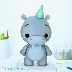 Cute Hippo Cake Topper - I used the 'Baby Dino' templates to make him :) They are available in my Etsy Shop. Cute Polymer Clay, Polymer Clay Animals, Cute Clay, Polymer Clay Crafts, Diy Clay, Toy Art, Hippo Cake, Idee Baby Shower, Cake Topper Tutorial