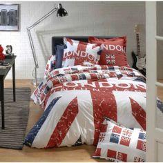 """Parure de Lit """" So British"""" reprend le visuel du drapeau Anglais, composée d'une housse de couette et 1 ou 2 taies d'oreillers en fonction de la taille de la housse (140x200 ou 220x240 ou 240x260). #ParureDeLit #HousseDeCouette"""