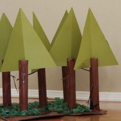 California Redwood Forest Create your own crafty version of a beautiful California redwood forest. This is a wonderful way to learn about nature through art. The post California Redwood Forest was featured on Fun Family Crafts. Forest Crafts, Tree Crafts, Fun Crafts, Crafts For Kids, Kids Diy, Paper Crafts, Redwood Forest California, California Camping, California Kids