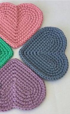 [Free Crochet Pattern] Cute Simple Heart Shaped Coasters