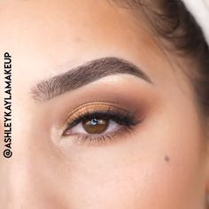 Related posts: Awesome eye make-up tutorials for our girls! … 15 Step-By-Step Smoky Eye Makeup Tutorials for Beginners TOP 10 Easy Natural Eye Makeup Tutorials 7 Awesome Eye Makeup Tips For You To Try! Eyeshadow Tips, Eye Makeup Tips, Skin Makeup, Eyeshadow Makeup Tutorial, Makeup Products, Makeup Eyeshadow, Makeup Ideas, Eyeliner, Hd Make Up