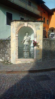Part. Statua - Loc. Povo ( Tn )  Statua di San Giovanni Nepomuceno Foto Hdr, San Giovanni, Statue, Home Decor, Fotografia, Decoration Home, Room Decor, Interior Design, Home Interiors