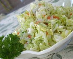 KFC Coleslaw - I love coleslaw! KFC and Chik-fil-A have the best store bought recipe in my opinion. Top Secret Recipes, Great Recipes, Favorite Recipes, Restaurant Dishes, Restaurant Recipes, Copycat Kfc Coleslaw, Good Food, Yummy Food, Cole Slaw