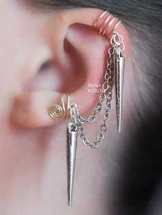 No Piercing Double Ear Cuff with Chains, Spikes/ piercing imitation/ fake faux piercing/Ohrklemme ohrclip/manschette/conch cartilage earcuff Fake Piercing, Ear Cuff Piercing, Cartilage Piercings, Ear Cuffs, Steampunk Earrings, Goth Jewelry, Jewlery, Chain Earrings, White Earrings