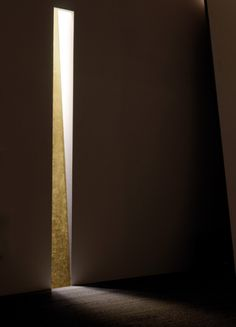 Viabizzuno | Spessore | Trimless, plastered-in wall light with gold-leaf by Claudio Silvestrin