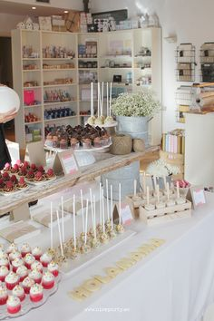 Holamama Store Madrid, Spain #craftshop  Nice party mesa de dulces