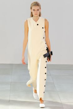 Céline Spring 2015 Ready-to-Wear - Collection - Gallery - Style.com  Celine is designed b Phoebe Philo
