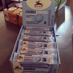 Buonissima barretta di #cioccolato e #cocco #alcenero per #merenda