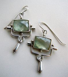 Prehnite earrings, funky: look like they have great movement! (posted on Addie Kidd's blog, jewelry by Amy Taylor)