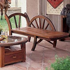 This Wagon Wheel Lounger from King Ranch Saddle Shop gives a touch of high-end Western flair to the ranch-style home and garden. Just love the polished finish on this beautiful chair. Dream Furniture, Log Furniture, Furniture Styles, Awesome Chairs, Cool Chairs, King Ranch, The Ranch, Southwestern Home Decor, Wagon Wheels