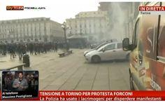 Nel corso dei tafferugli è stata colpita anche una postazione per la troupe di Sky TG24 -Tensione a Torino per la protesta dei Forconi: VIDEO