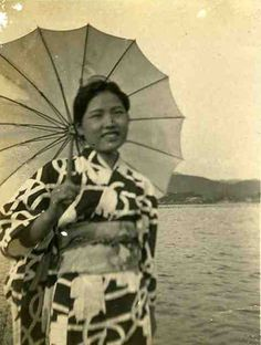 Small Vintage Japanese Photo - Woman & Parasol Beach #umbrella