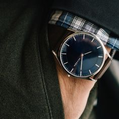 The Refined Watch that Looks Way More Expensive Than its Price Tag – Men's style, accessories, mens fashion trends 2020 Vintage Watches For Men, Luxury Watches For Men, Stylish Watches, Cool Watches, Casual Watches, Elegant Watches, Skagen Watches, Men's Watches, Watches Online
