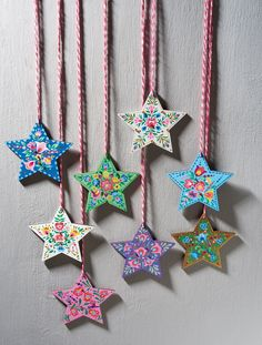 Paint bohemian stars for Christmas // Homemaker Issue 51 // Image: cliqq.co.uk