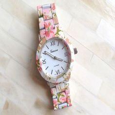 Reloj Geneva Flower Printed $12.000.-
