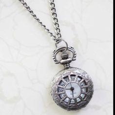Retro Vintage Times clock Neclace    shopruche.com  -bridesmaid jewlery