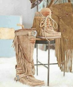 Minnetonka moccasins on sale at the lowest prices. Shop styles for women, men and kids. Shop fringe boots, sheepskin slippers and casual moccasins. Cowgirl Style, Cowgirl Boots, Hippie Boots, Crazy Shoes, Me Too Shoes, Botas Boho, Look Fashion, Fashion Shoes, Gypsy