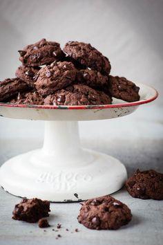 Biscuits choco-mélasse et graines de chia - K pour Katrine Cookie Desserts, Cookie Bars, Vegan Desserts, Cookie Recipes, Dessert Recipes, Cookies Sans Gluten, Biscuit Cookies, Gluten Free Recipes, Granola