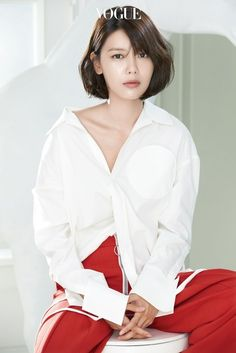 VOGUE: What does SNSD mean to you? SOOYOUNG: They're reliable colleagues, friends I'll be together with my entire life, and family. Kpop Girl Groups, Korean Girl Groups, Kpop Girls, Marie Claire, Yuri, Sooyoung Snsd, Vogue Korea, Celebs, Celebrities