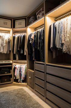 Smart Closet Organization Tips - Design by Hardware Resources