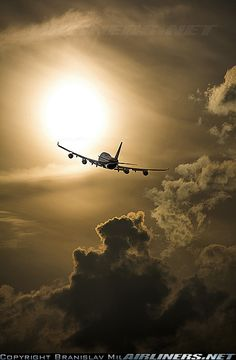 Boeing 747-4... aircraft picture