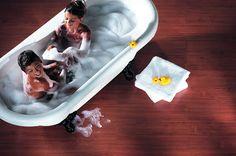 Aquastep vízálló laminált padló - meleg hatás, vízállóság, és fahatás a fürdőszobában mind ez egyszerre? Nem lehetetlen. Az új Aquastep vízálló laminált padló, nem tartalmaz semmilyen fa anyagot, ezért nem dagadhat meg, nem szívhatja meg magát, akár napokon át állhat rajta víz, és a gyerekek is bátran pancsolhatnak a fürdőkádban és azon kívül is! :) www.dreamfloor.hu