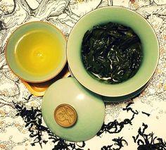 #justbecause moment with an Oolong Tea:  Wen Shan Bao Zhong - Honeydew leaf scent light with a hint of sweetness that rolls over your tongue . simplesubtletea.com . . . #cupoftea #teatime #teatraining #teaeducation #tea #teaaddict #teafriends #healthy #healthyliving #teajournal #teaaddict #healthylifestyle #myteabox #calm #life #foodie #beach #pacificcoast #hike #letsgosomewhere #weekendvibes #food #yoga #wellness #outdoors #californiaadventures #ilovetea #cupoftea #oolongtea #lovetea