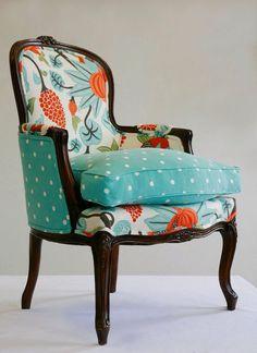 Обивка мебели на дому: хитрости реставрации вещей своими руками и 45+ вдохновляющих идей http://happymodern.ru/obivka-mebeli-na-domu-nedorogo-bystro-i-legko-44-foto/ Дополнительные аксессуары из остатков ткани