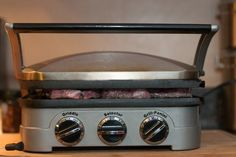 If you're using a Griddler by Cuisinart for steaks, here are some tips, recipe suggestions and food safety recommendations that will likely come in handy. Cooking Steak On Grill, How To Grill Steak, Grilling Chicken, Cooking Salmon, Grilled Steak Recipes, Grilling Recipes, Panini Recipes, Smoker Recipes, Grilled Meat