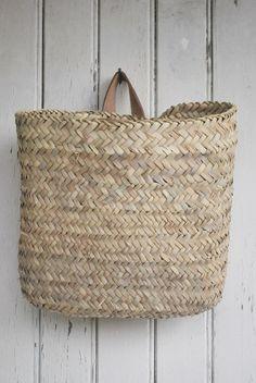 Forvaring korgar vaggkorg-large-tine-k html Rattan, Floppy Hats, Jute, Basket Bag, Wall Basket, Hanging Basket, Wicker Baskets, Bamboo Basket, Basket Weaving