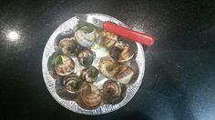 Snails Snails, Sprouts, Vegetables, Kitchen, Food, Cooking, Vegetable Recipes, Eten, Veggie Food