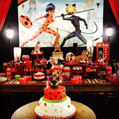 festa ladybug e cat noir Frozen Birthday Party, 6th Birthday Parties, Birthday Party Decorations, Party Themes, 2nd Birthday, Party Favors, Cumpleaños Lady Bug, Miraculous Ladybug Party, Ladybug Cakes