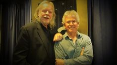 Rick Wakeman and Tony Banks Pink Floyd, Rick Wakeman, Peter Gabriel, Rock Stars, Banks, Musica, Couches