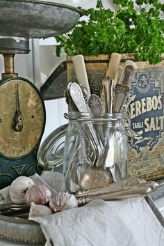 VIBEKE DESIGN - place silverware in jar with a circle of felt in the bottom, perhaps more to protect the jar. Love Vintage, Vintage Room, Vintage Decor, Vintage Silver, Vintage Vignettes, Vintage Vibes, Old Kitchen, Vintage Kitchen, Antique Booth Displays